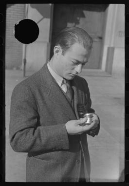 Arthur Rothstein en 1938 par Russell Lee. LOC