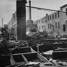 Intérieur du moulin Eddy après le feu. No MIKAN 3193231 BAC